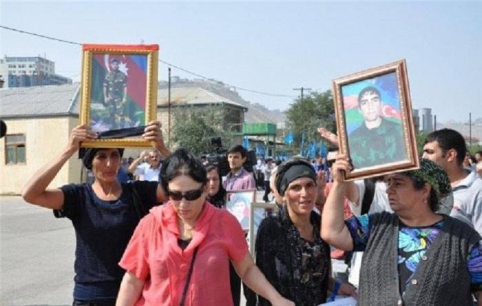 Ադրբեջանցի անհետ կորած զինծառայողների մայրերը Նիկոլ Փաշինյանից օգնություն են խնդրում․ մանրամասներ