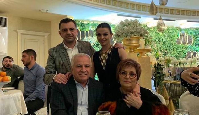 Աշոտ Ղազարյանի որդու և դստեր գեղեցիկ ընտանիքները․ լուսանկարներ