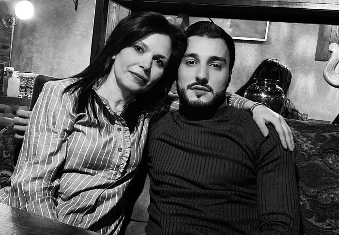 «Մայրերի ափի մեջ պիտի փնտրել ազգերի ճակատագիրը»․ սիրված դերասան Էդգար Իգիթյանը հրապարակել է իր և մայրիկի լուսանկարը