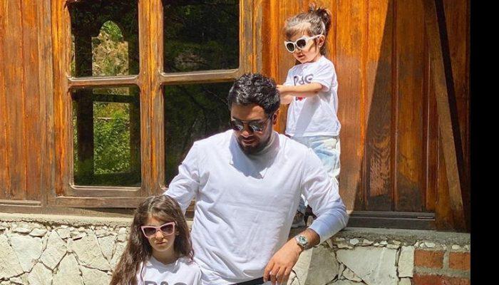 Սարո Թովմասյանի դստրիկները իր հետ երգում են․ տեսանյութ