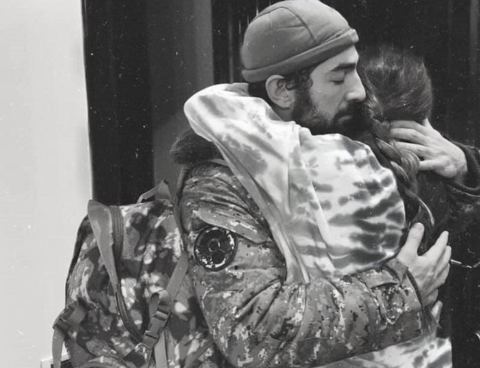 «Մեզ աղջիկ է պետք». Սիրուշոյի և Լևոն Քոչարյանի տեսանյութը երեխաների հետ